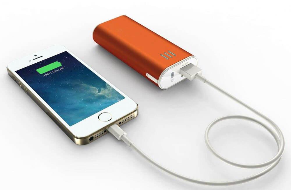 Можно ли пользоваться смартфоном во время зарядки от повербанка